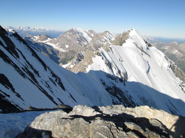 Ridge route looking toward Bluemlisalp from Wyssi Frau