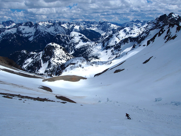 Skiing towards Wing Lake