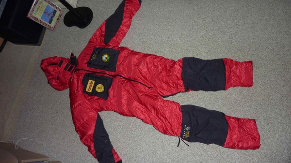Mt Hardware down suit size med