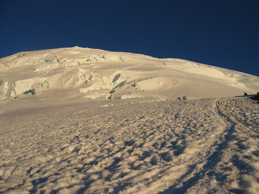 5599_Climbers_Headed_Up_the_DC_Route_073105.JPG