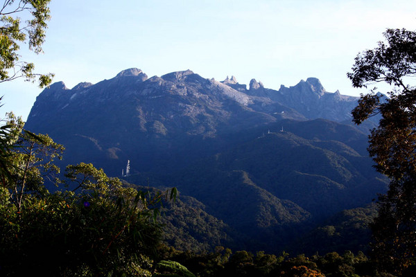 Mt_Kinabalu_from_below.jpg
