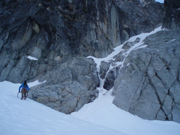 Triple_Couloirs_Dragontail_2014_006.JPG