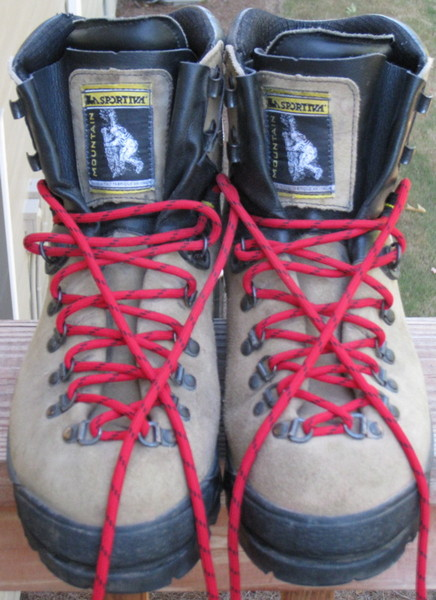 boots_front.jpg