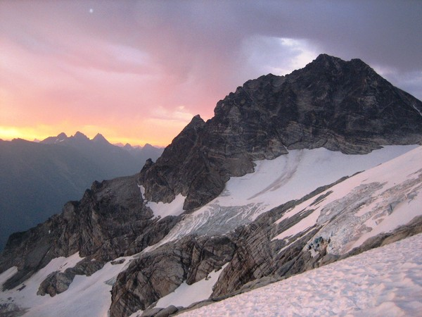 sunrise_ragged_ridge_Tricouni.jpg