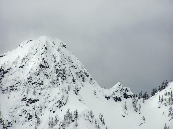 MIghty_Chair_from_atop_the_Phantom_Slide_on_Snoqualmie_Mtn.JPG