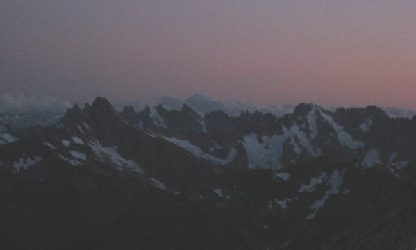 sundown_pickets_from_8200_bivy_mox.jpg