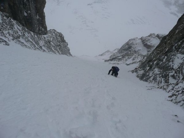 up_the_lower_couloir.jpg